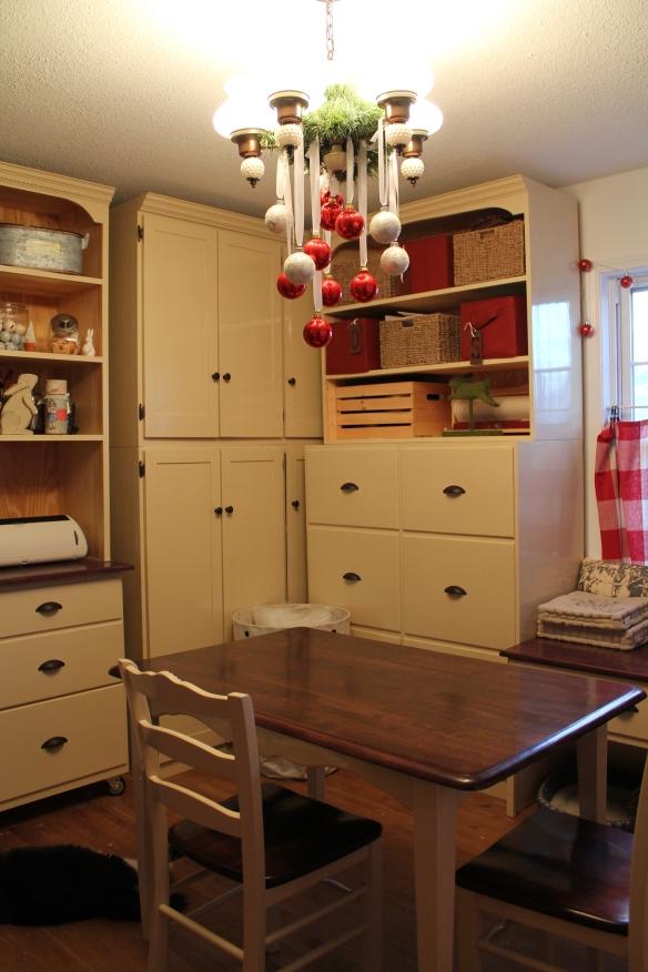 new craft room 2 011