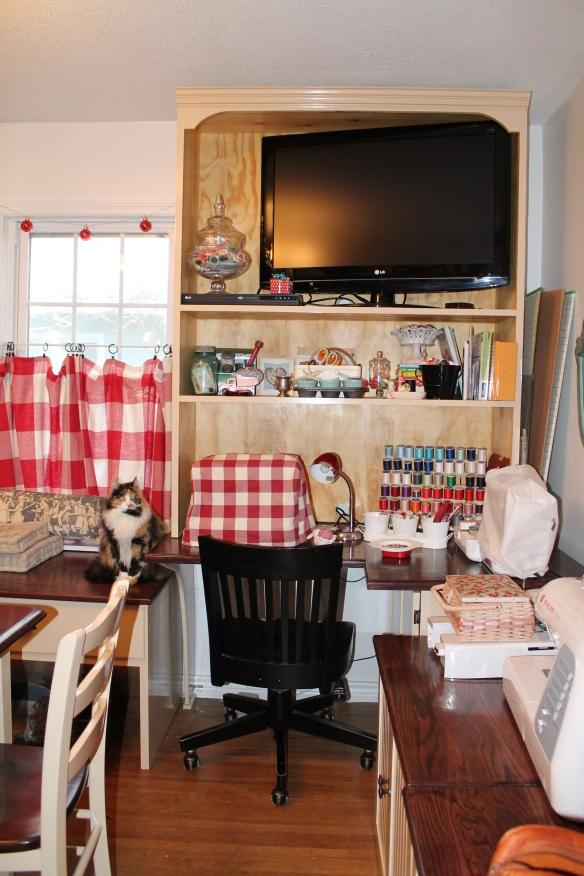 new craft room 2 016